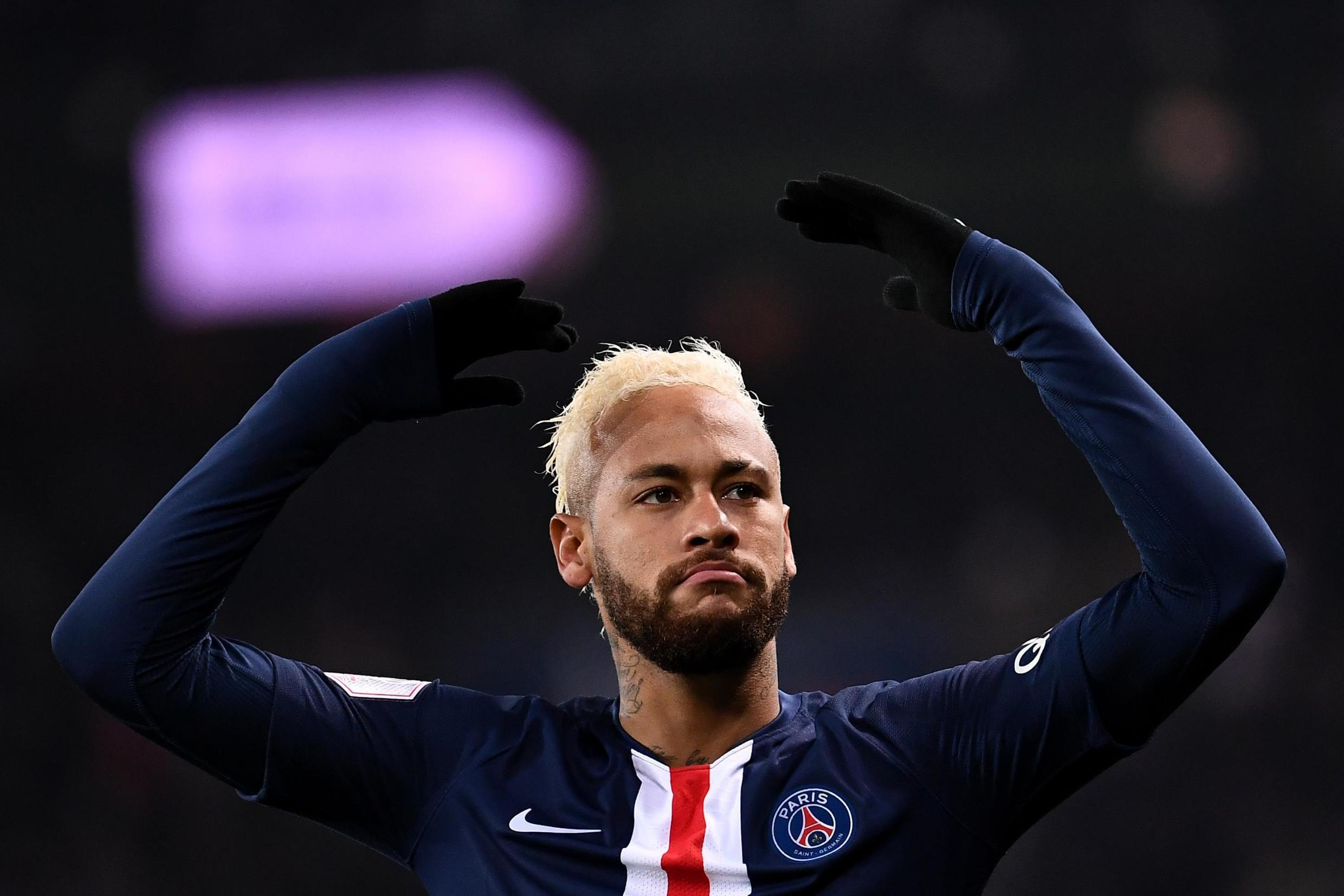 Neymar, who suffered a rib injury against Montpellier, will be absent from the PSG squad to face Nantes.