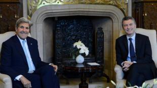 John Kerry e Maurício Macri em Buenos Aires.