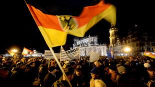 Manifestation contre l'islam organisée par le mouvement Pegida à Dresde, dans l'est de l'Allemagne, le 22 décembre 2014.
