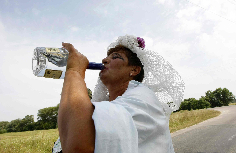 Las mujeres más bebedoras son las ucranianas, que ingieren una media de 4.2 tragos diarios.