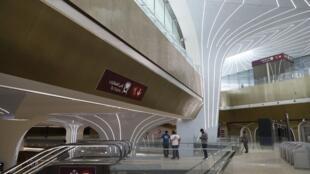 """یکی از ایستگاههای """"خط قرمز مترو"""" که چهارشنبه ١۸ اردیبهشت/ ۸ مه ٢٠۱٩ در دوحه پایتخت این کشور افتتاح شد."""