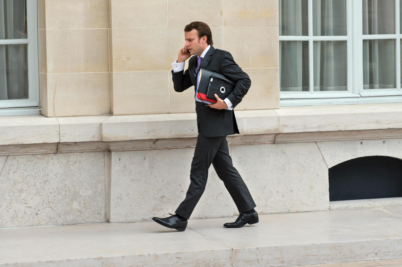 Homme pressé, à 36 ans Emmanuel Macron a déjà vécu plusieurs vies, à l'intérieur et en dehors de la politique.