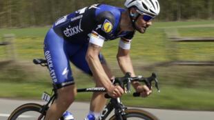 Tom Boonen battu par Mathew Hayman lors du Paris-Roubaix, le 10 avril 2016.