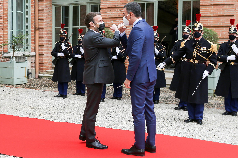 Macron Sanchez