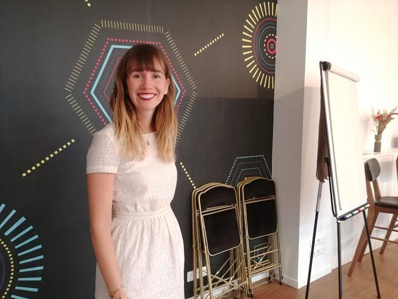 A executiva francesa Anaïs Raoux, fundadora da escola Wake Up, que propõe o método japonês ikigai de reorientação profissional