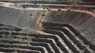 La mine d'escondida, située à Antofagasta dans le nord du Chili produit environ 927 000 tonnes de cuivre par an, soit 5% de l'offre mondiale.