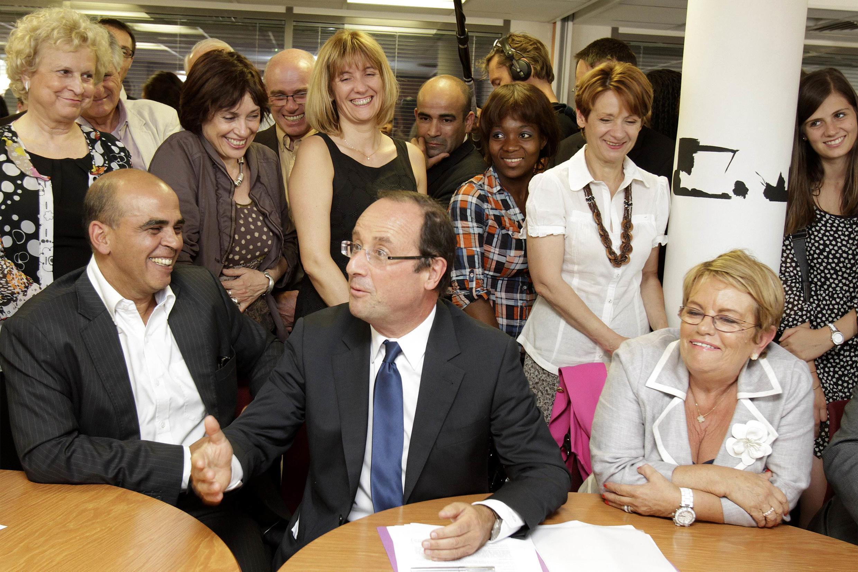 O pré-candidato do partido socialista Francois Hollande durante comício em Toulouse, no dia 6 de outubro de 2011.