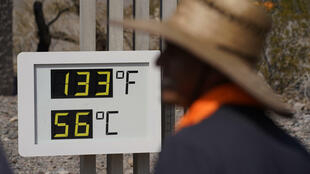 As temperaturas no Vale da Morte, na Califórnia, continuam a subir, tendo atingido 56 graus no início de julho.