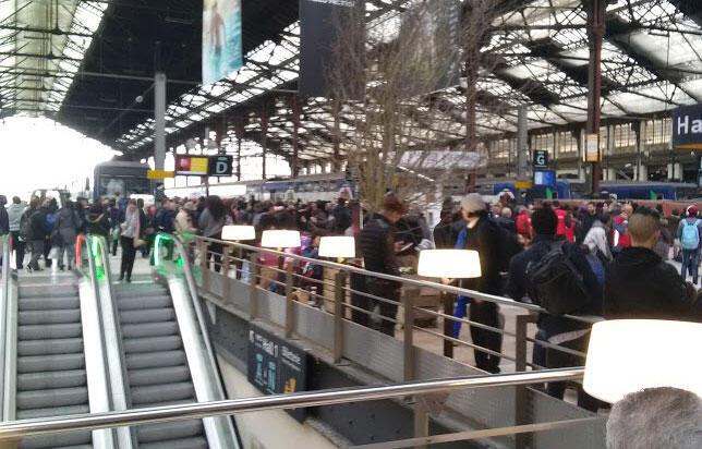 Lors du mouvement de grève de la SNCF, à la Gare de Lyon Paris, le 03 avril 2018.