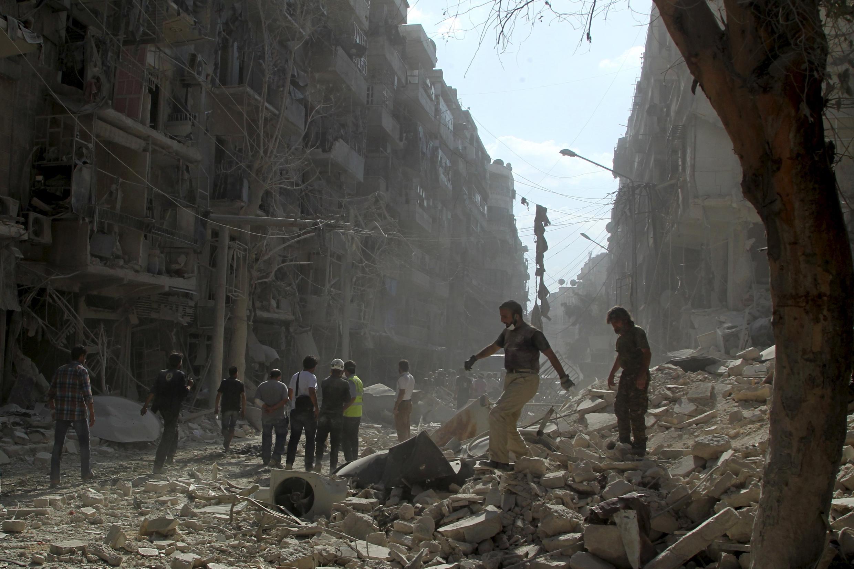 Một khu phố ngoại vi Alep sau khi bị oanh kích ngày 17/09/2015.