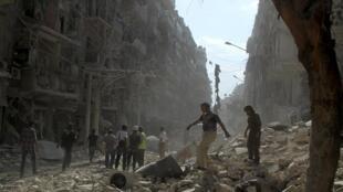 Un quartier des environs d'Alep ravagé après des bombardements, le 17 septembre 2015.