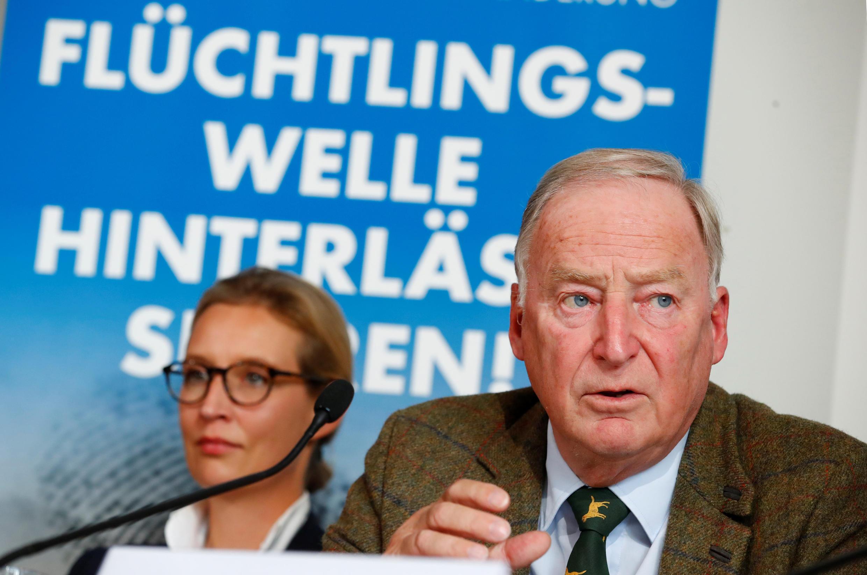 Alexander Gauland et Alice Weidel assistent à une conférence de presse à Berlin, en Allemagne, le 18 septembre 2017.