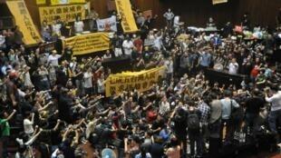 台湾学生占领立法院抗议两岸服贸协议(2014年3月18日)