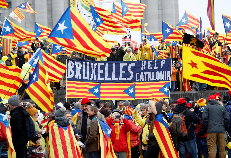 Манифестация сторонников независимой Каталонии в «европейском квартале» Брюсселя, 7 декабря 2017.