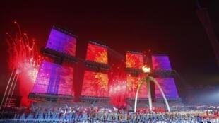 Màn pháo hoa trong lễ bế mạc Á vận hội 16 trên sân vận động Quảng Châu tối 27/11/2010