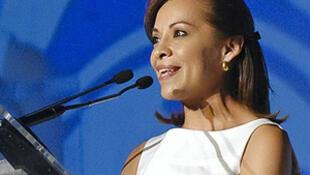 México: la ex ministra mexicana Josefina Vázquez Mota se  retiró el 6 de septiembre de su curul en la Cámara de Diputados. Se convirtió en la  primera mujer en la carrera por las presidenciales de 2012.