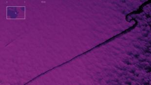 تصویر ماهوارهای به تاریخ ١٢ اکتبر، نشت نفت را بر مسیر کشتی سابیتی نشان میدهد