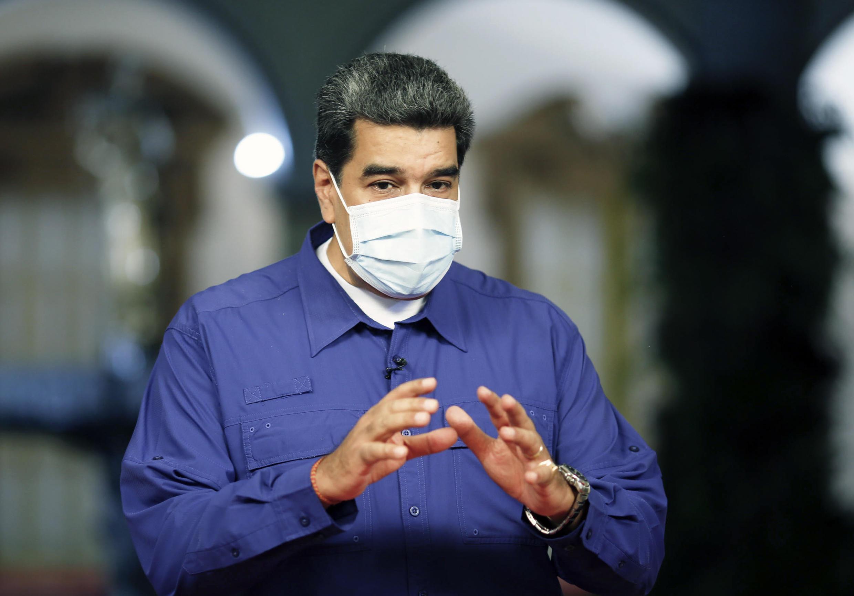 """El presidente Nicolás Maduro anunció más controles de precios y asegura que """"siempre que vienen elecciones, la guerra económica se recrudece contra el pueblo""""."""