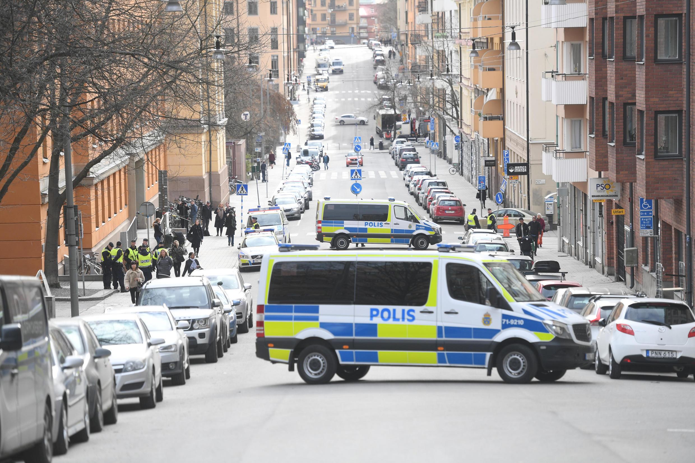 Cảnh sát bảo vệ tòa nhà diễn ra vụ xử Rakhmat Akilov, nghi can chính vụ khủng bố Stockholm. Ảnh ngày 11/04/2017.