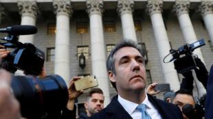 Michael Cohen, l'ancien avocat du président Trump lors de sa sortie du tribunal fédérale à New York après avoir plaidé coupable le 29 novembre 2018.