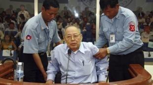 Ieng Sary était jugé pour génocide, crimes de guerre et crimes contre l'humanité.