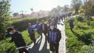 声援内蒙古中小学教材改革的示威者资料图片