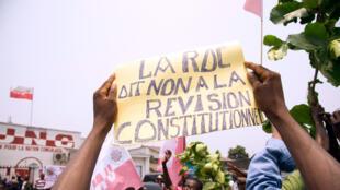 Manifestation à Kinshasa contre le projet de révision de la Constitution, le 13 septembre 2014.