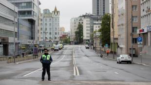 15 суток и задержания за пикеты в защиту пикетов: несколько человек попало в участок за поддержку Ильи Азара.