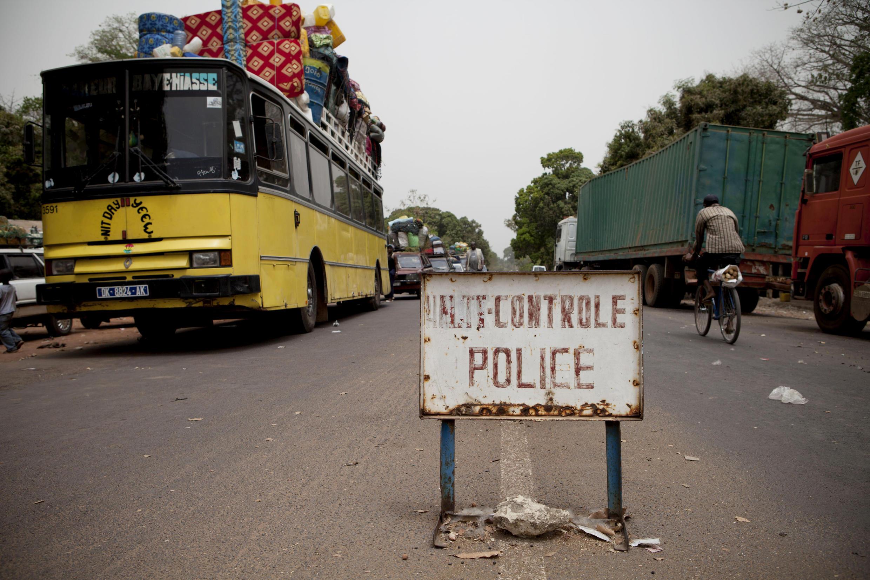Controlo fronteiriço em Mpack, entre a Guiné-Bissau e o Senegal