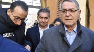 Retour en cellule pour Bruno Odos (c) et Pascal Fauret (d): la cour d'assises spéciale a condamné à six ans de prison les deux pilotes (ici, le 18 février 2019 lors de leur arrivée à la cour d'assises d'Aix-en-Provence).