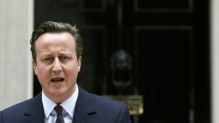 O primeiro-ministro David Cameron anuncia a formação de um novo governo após vitória dos conservadores nas eleições.