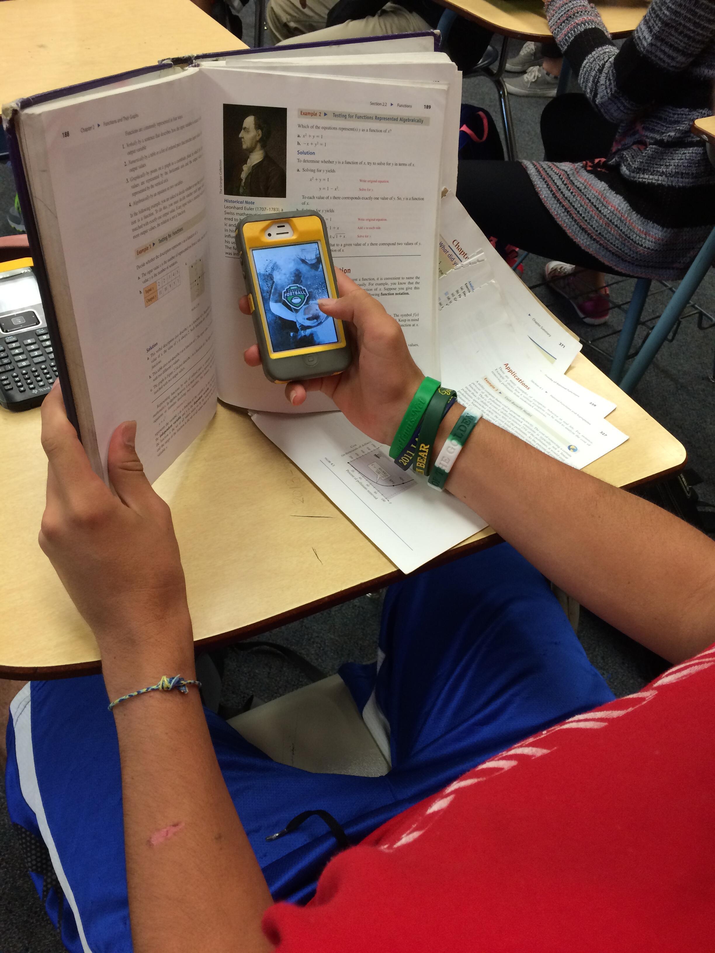 Telefones celulares agora são proibidos nas escolas francesas