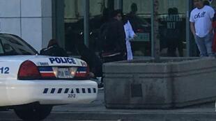 В Торонто фургон врезался в пешеходов