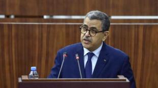 Le Premier ministre Abdelaziz Djerad devant les députés pour un vote sur la réforme de la Constitution.