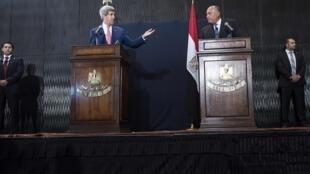 کنفرانس خبری امروز جان کری- وزیر خارجۀ آمریکا، در کنار همتای مصریاش سامح شكری.  قاهره ١٣ سپتامبر ٢٠١٤