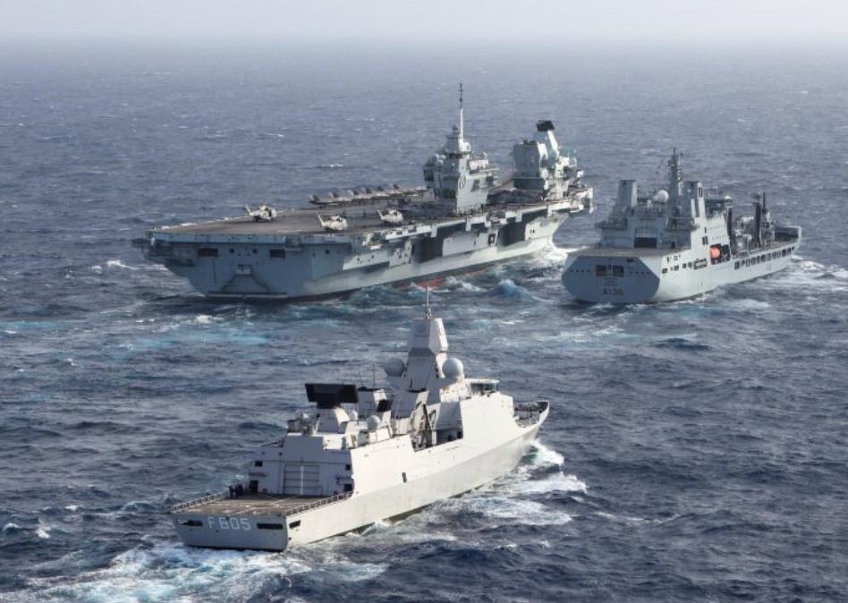 """英國皇家海軍""""伊麗莎白女王""""號航母打擊群資料圖片"""