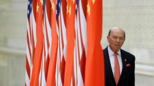 Le secrétaire américain au Commerce, Wilbur Ross, lors d'une visite en Chine le 9 novembre 2017.