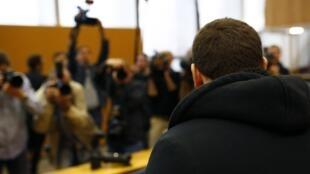 Julgamento do jihardista, Kreshnik B. em um tribunal de Frankfurt, na Alemanha. 15 de setembro de 2014.