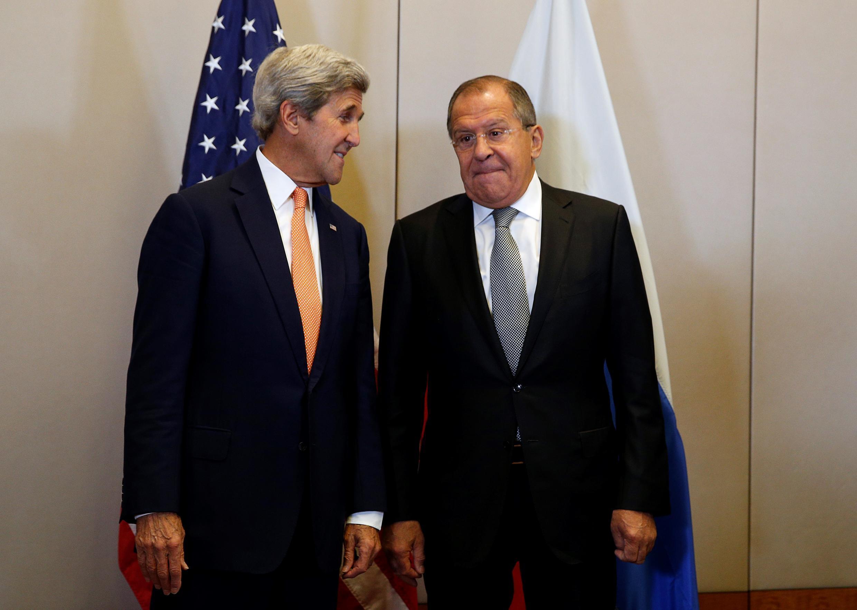 Джон Керри и Сергей Лавров после заключения договоренностей о перемирии в Сирии, Женева, 09 сентября 2016.