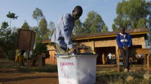 mmoj wa wapiga kura katika eneo la Buye,  alikozaliwa rais wa Burundi Pierre Nkurunziza.
