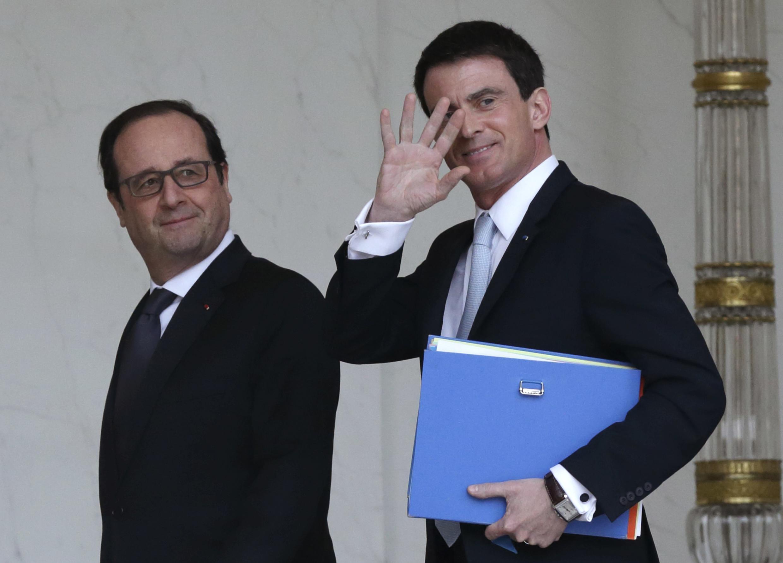 """Manuel Valls disse que Brasil é mais do que """"música, feijoada e futebol"""". Presidente François Hollande já tinha visitado o pavilhão brasileiro no sábado."""