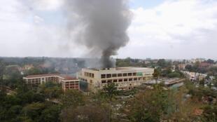 Centro comercial Westgate de Nairobi, Kenia, este lunes 23 de septiembre, durante el ataque de Al Shabab.