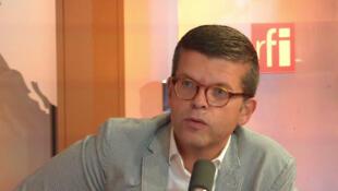 Luc Carvounas.
