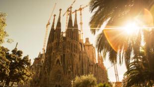 Espanha entre desconfinamento e reconfinamento vai abrindo o país ao turismo como a Sagrada Família de Barcelona