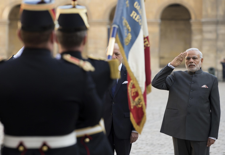 Indian Prime Minister Narendra Modi attends a ceremony in Paris, 10 April 2015.