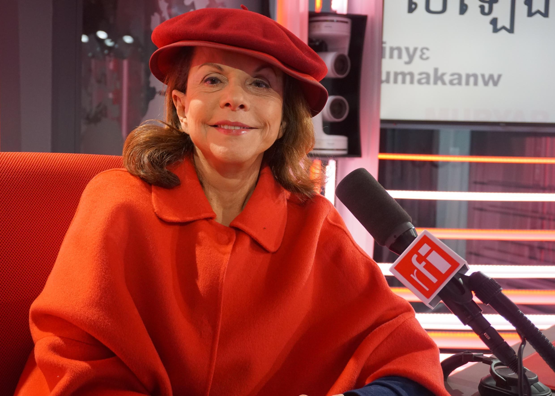 A arquiteta brasileira Elizabeth de Portzamparc nos estúdios da RFI em 20/02/18.
