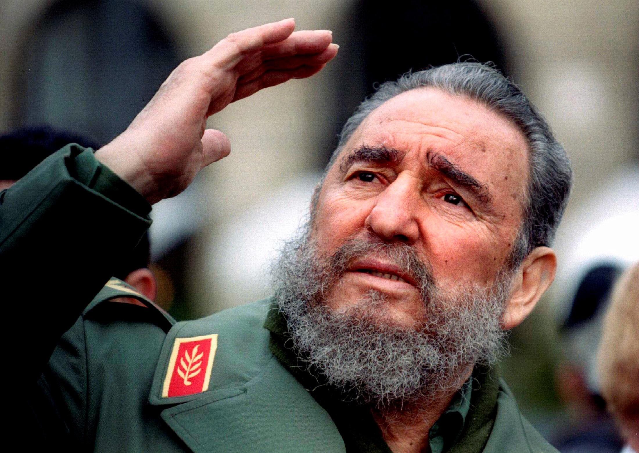 Фидель Кастро в Париже в марте 1995.