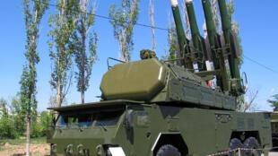 Giàn tên lửa BUK-M2 giống với tên lửa đã bắn hạ chiếc máy bay Boeing MH17 của hãng hàng không Malaysia trong khu vực do phe ly khai Ukraina thân Nga kiểm soát.