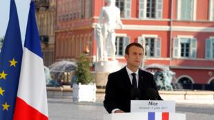 Presidente francês Emmanuel Macron em Nice a 14 de Julho de 2017.