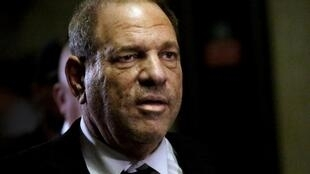 Un accord de principe au civil a été trouvé pour indemniser des victimes d'Harvey Weinstein. Il prévoit le versement de quelque 25 millions de dollars à plusieurs dizaines de femmes victimes du producteur de cinéma.